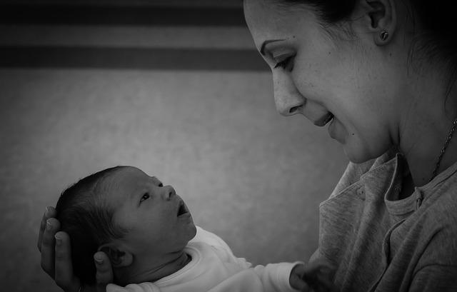 Proses persalinan dan melahirkan