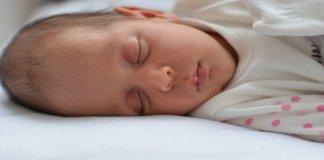 Kenapa Terjadi Kematian Mendadak pada Bayi Ketika Tidur?