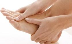 しもやけの治し方や治療法(足の指・手)12選!注意点・予防法も