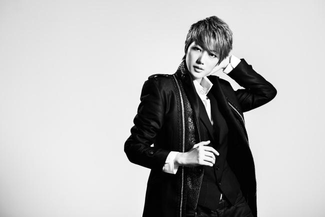 元・宝塚歌劇団の七海ひろきさんプロデュースの限定アイテムを伊勢丹オンラインストアで販売!
