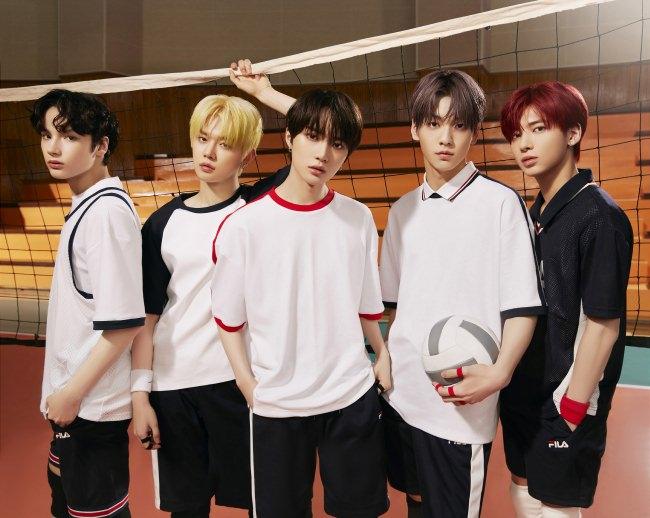 韓国5人組TOMORROW X TOGETHER初の日本オリジナル楽曲「永遠に光れ (Everlasting Shine)」がテレビアニメ「ブラッククローバー」 オープニングテーマに決定!