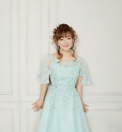 岩崎宏美デビュー45周年を記念して12月2日に「LIVE BEST SELECTION 2012-2020 太陽が笑ってる」(2枚組)発売決定!