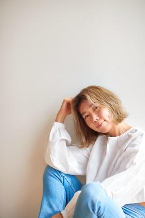 YouTube再生500万回を超える「海を感じるシンガー」Lisa Halimの配信シングルが4曲連続リリース、TBSラジオでパワープレイ中。カバーアルバムも発売決定。