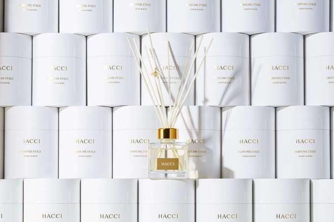 『HACCI』から薔薇とはちみつの香りのルームフレグランスが登場