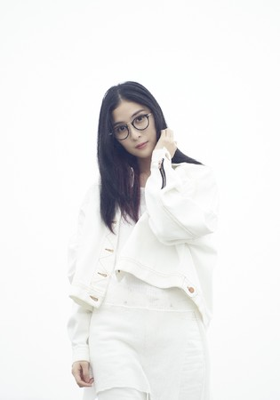 Yoshimoto Entertainment(Thailand)所属アニソンシンガー・MindaRyn(マイダリン) 2nd Single「Like Flames」発売決定!