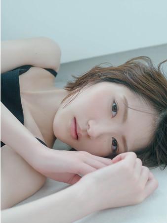 【誕生日の緊急速報!】若月佑美 2nd写真集 9月8日発売決定! 新しい魅力満載の撮り下ろし写真先行公開!!