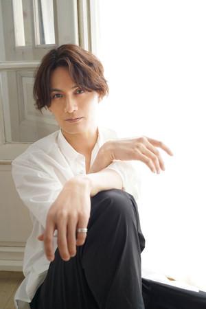 加藤和樹、福山雅治が作詞・作曲した名曲「Squall」をカバーした配信シングル第二弾、8月4日より配信スタート!SPOT映像を公開!