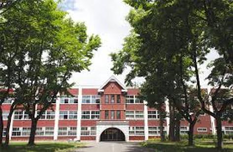 阿部顕嵐 大学 学部 どこ 中学 高校 偏差値