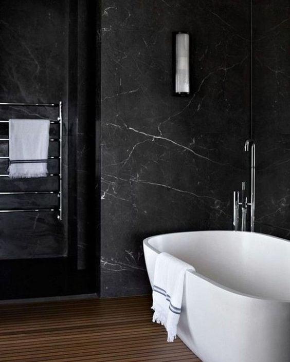 banheiro com granito via lactea