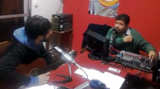 """ENTERARTE RADIO, ENTREVISTO A SANTIAGO MORAES , """"EL GUITARRISTA DE LA CALLE URUGUAY"""" .EN SU PROGRAMA POR IMPACTOS FM"""