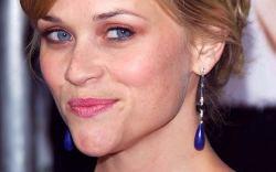 Reese Witherspoon Quiere Trabajar con Derbez