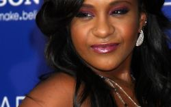 hija de whitney houston en coma