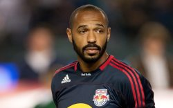 Thierry Henry critica al Chicharito