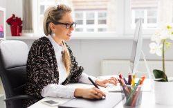 Practica estos 5 hábitos si tu trabajo implica pasar todo el día frente a la computadora
