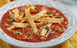 Prepara una deliciosa sopa de tortilla