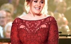 Adele se presentó en los premios Grammy 2016