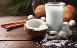 ¿Por qué deberíamos consumir leche de coco?