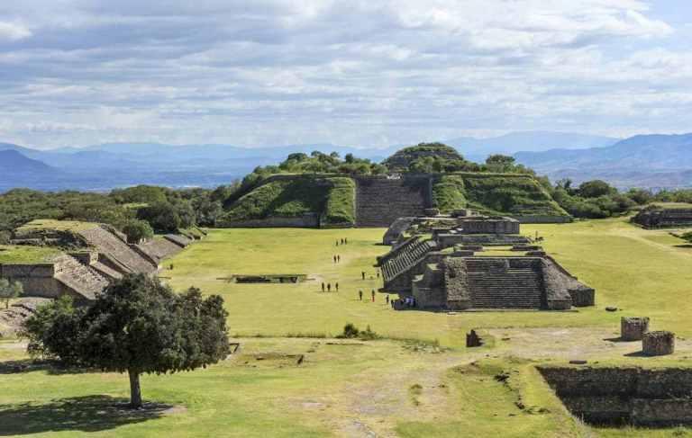 patrimonio cultural de mexico, patrimonio de la unesco de norteamerica, monte alban, monte alban arquitectura