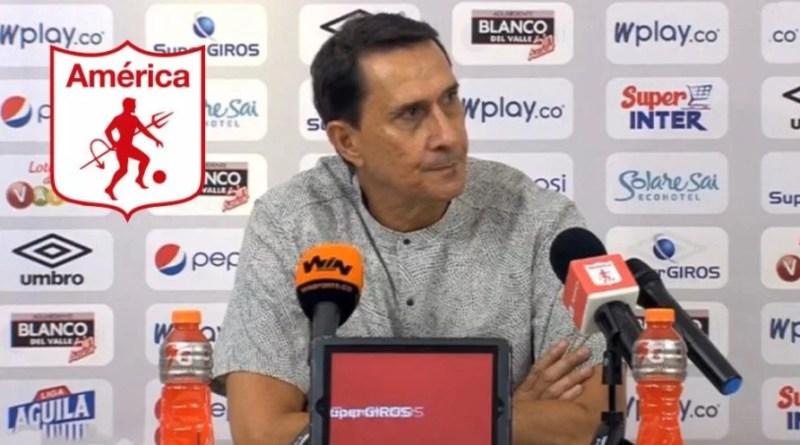 Reacción de Alexandre Guimaraes tras la eliminación de copa