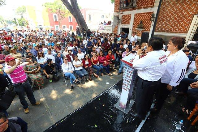 """HACER DEL MERCADO """"LA VICTORIA"""" EL PRINCIPAL CENTRO CULTURAL DE PUEBLA CAPITAL, PROPONE MIGUEL BARBOSA A ARTISTAS LOCALES"""