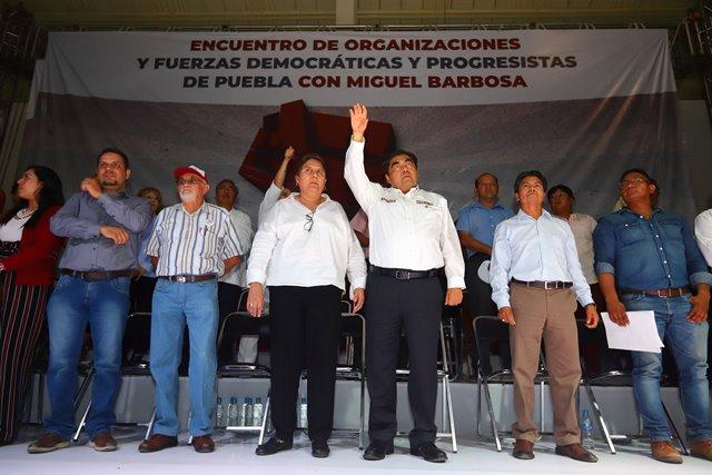 GOBIERNOS DEBEN ESCUCHAR Y DIALOGAR CON LAS ORGANIZACIONES PROGRESISTAS DE PUEBLA, DESTACA MIGUEL BARBOSA