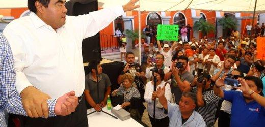 GOBIERNOS TIENEN QUE CORREGIR SUS FORMAS DE HACER POLÍTICA CON ACCIONES PÚBLICAS CERCANAS A LA GENTE: MIGUEL BARBOSA