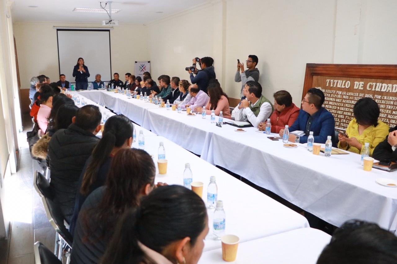 ENCABEZA PRESIDENTA DE HUEJOTZINGO, ANGÉLICA ALVARADO, REUNIÓN INTERMUNICIPAL REGIÓN IZTA-POPO