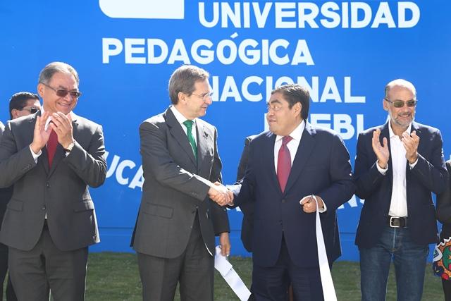 RECONOCE SEP FEDERAL EL BUEN TRABAJO  DEL GOBERNADOR BARBOSA HUERTA EN TEMAS EDUCATIVOS