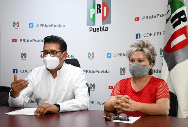NÉSTOR CAMARILLO MEDINA E ISABEL MERLO TALAVERA RINDIERON PROTESTA COMO PRESIDENTE Y SECRETARIA GENERAL DEL CDE PRI PUEBLA