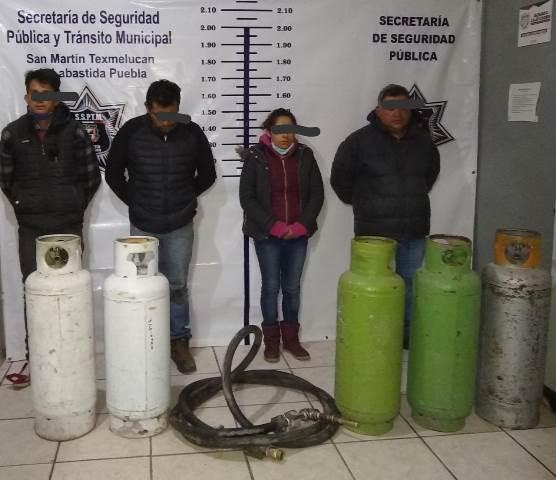 EN SAN JUAN TUXCO SE DETUVO A PERSONAS POR PRESUNTA POSESIÓN ILÍCITA DE HIDROCARBURO
