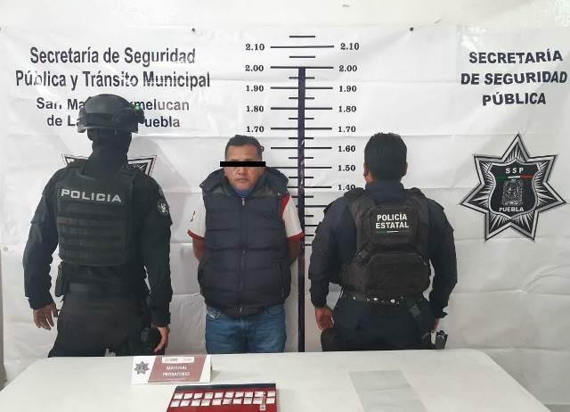 POLICÍA MUNICIPAL DE SAN MARTÍN TEXMELUCAN DETUVO A CHOFER DE PIPA DE GAS QUE LLEVABA 18 ENVOLTORIOS DE CRISTAL