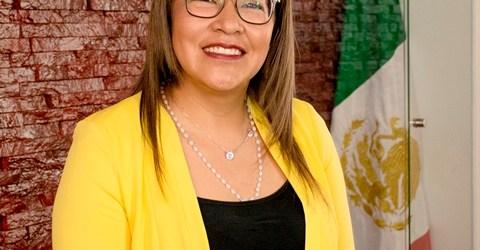 ANGÉLICA FLORES CANO ASUME EL CARGO DE PRESIDENTA INTERINA MUNICIPAL DE CUAUTLANCINGO