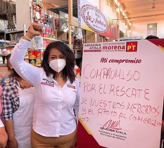 ARIADNA AYALA FIRMA SU PRIMER COMPROMISO CON LA SOCIEDAD ATLIXQUENSE: EL RESCATE DE LOS MERCADOS Y APOYO AL COMERCIO LOCAL