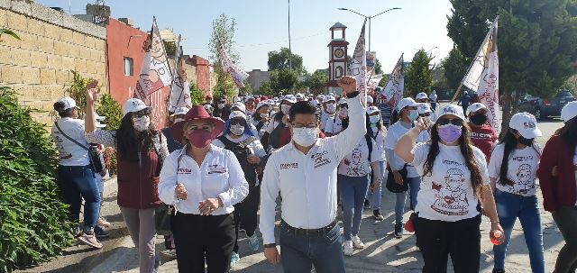 JUNTO CON LOS CIUDADANOS SEGUIREMOS MEJORANDO LA SEGURIDAD DE CORONANGO: TOÑO TEUTLI