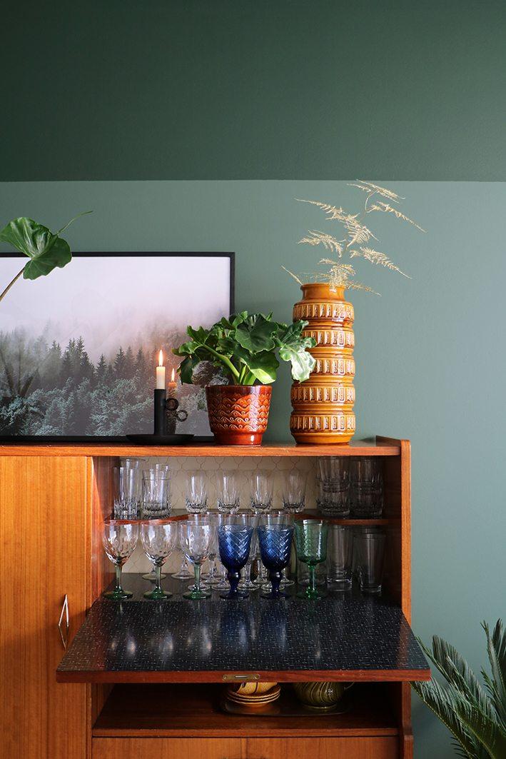 Groene muur een nieuwe look in de woonkamer  Enter My Attic
