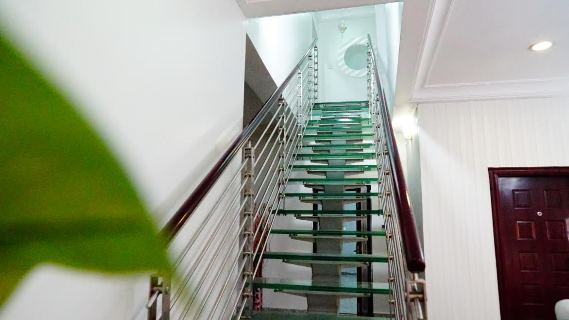 linda penthouse stairs