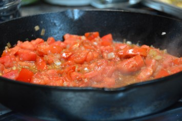 Sauce the tomatoes and onions