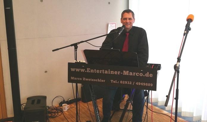 Livemusik Alleinunterhalter Marco