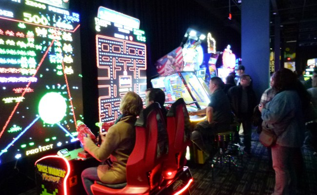 Dave Buster S Opens New North Hills Location
