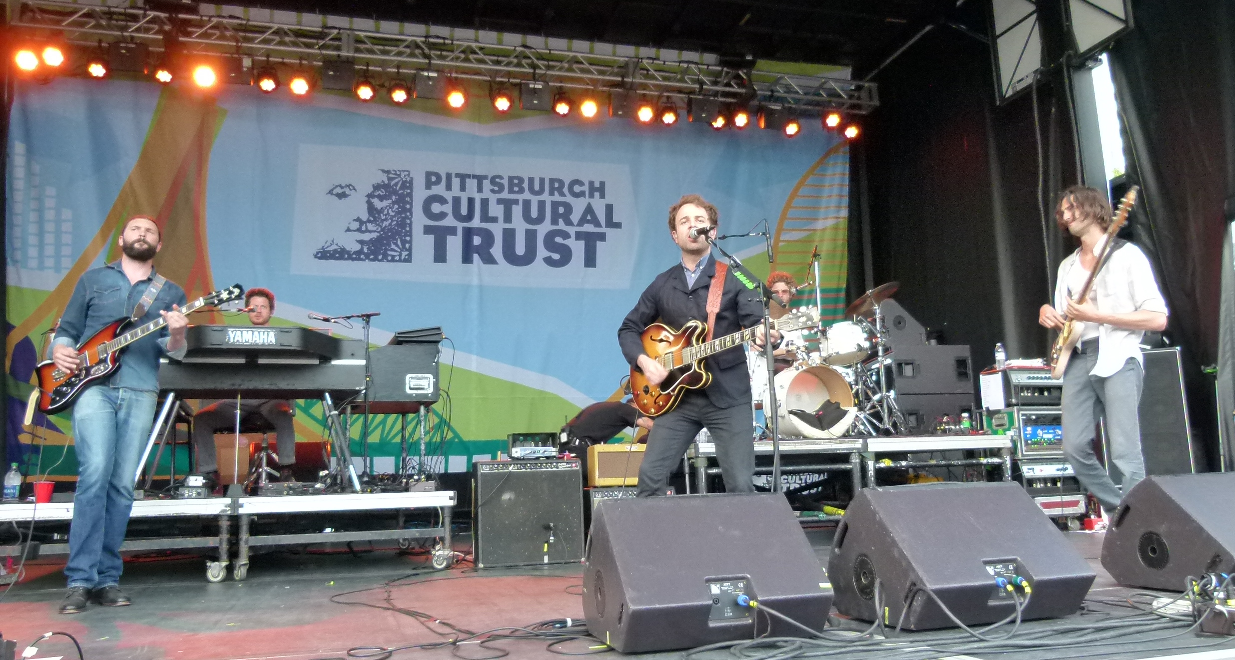 Dawes jamming the Arts Festival audience. (l. to r.), Duane Betts, Lee Pardini, Taylor Goldsmith, Griffin Goldsmith, and Wylie Gelber.