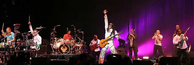 Earth Wind & Fire in a 2009 concert. photo: Craig ONeal.