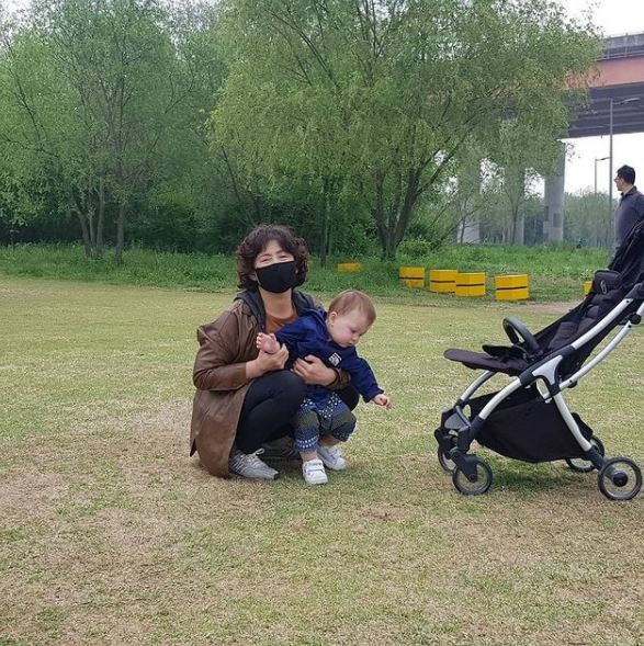 Jihoon Lee Mother Instagram