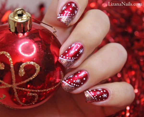 Christmas snowflake nail