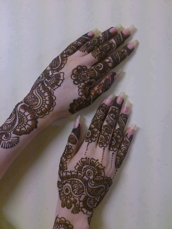 latest arabic henna designs on hands
