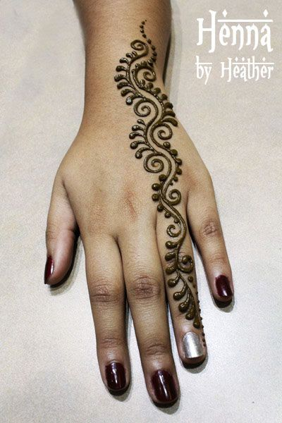 easy mehndi design for girls