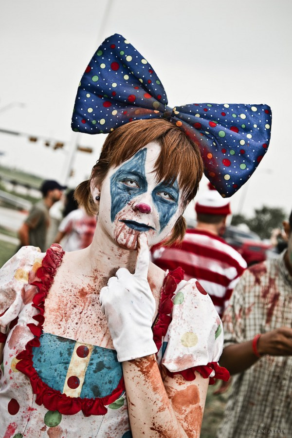 halloween-makeup-ideas-zombie-clown-face-painting
