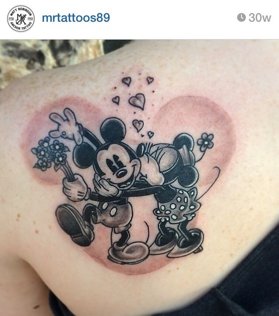 Mickey-Minnie-kisses