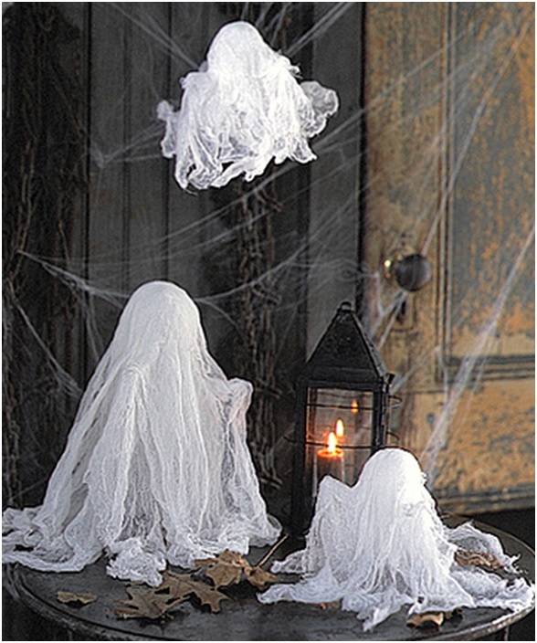 halloween-party-ghost-decorations