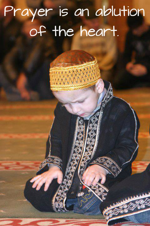 small kid prayer photo