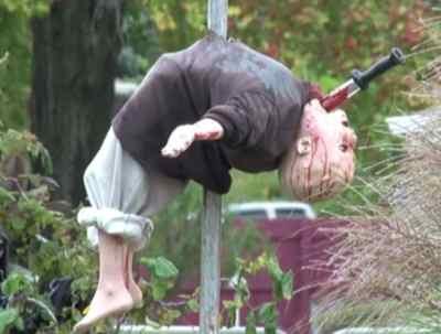 bloody-massacre-halloween-decorations